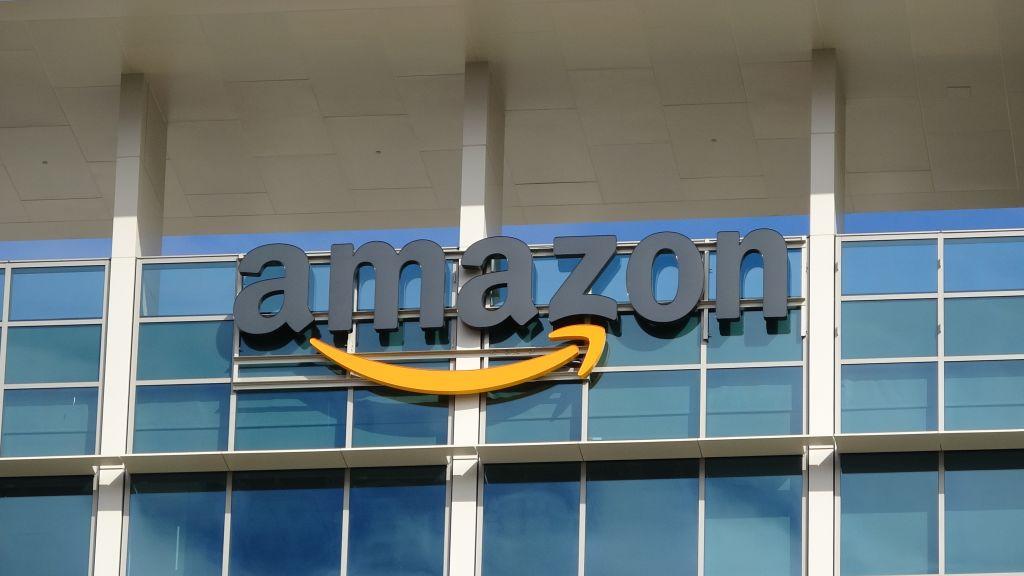 Вице-президент Amazon уходит в знак протеста против заявленных компанией случаев «разоблачения» коронавируса thumbnail