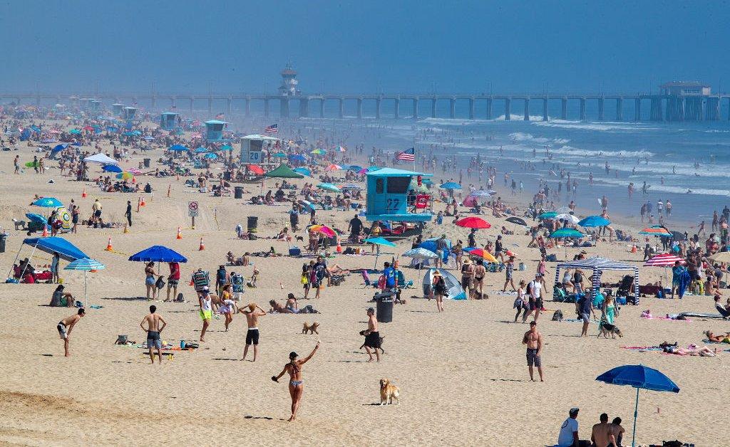 Американцы отчаянно пытаются вернуться на улицу. Может ли рациональный доступ к паркам и пляжам сделать это безопаснее? thumbnail
