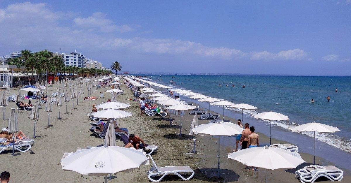 Кипр обязуется покрыть «все расходы» для туристов, которые дали положительный результат на COVID-19 во время отпуска thumbnail