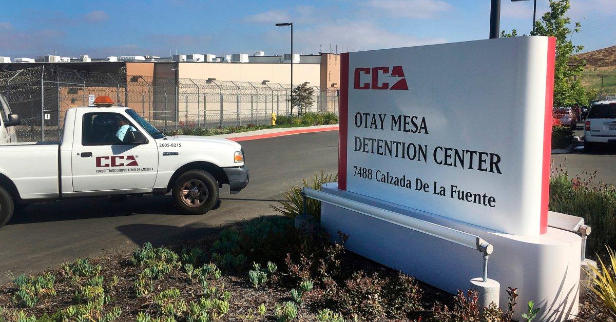 США видят впервые задержанную иммигранта от коронавируса thumbnail