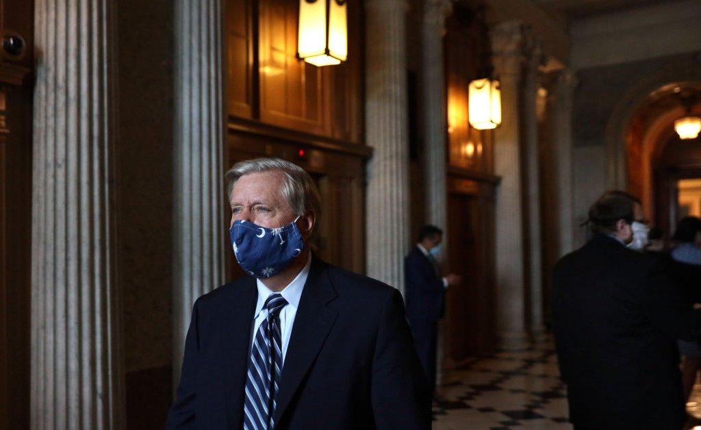 Сенатор Линдси Грэм говорит, что он начинает расследование в России, но не призовет Обаму thumbnail