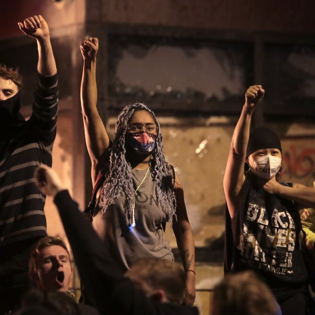 How Minneapolis Protesters Contend With COVID-19