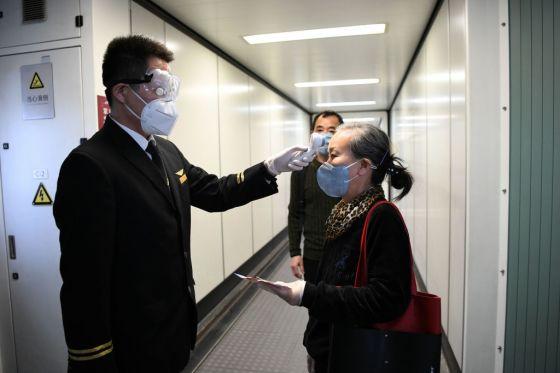 CHINA-SHENZHEN-FLIGHTS-WUHAN-RESUMING (CN)