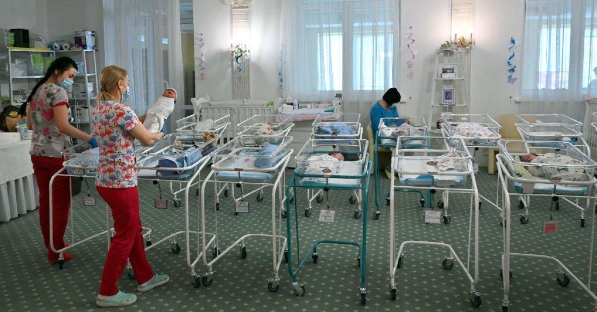 Почти 100 суррогатных младенцев оказались в Украине под угрозой коронавируса thumbnail