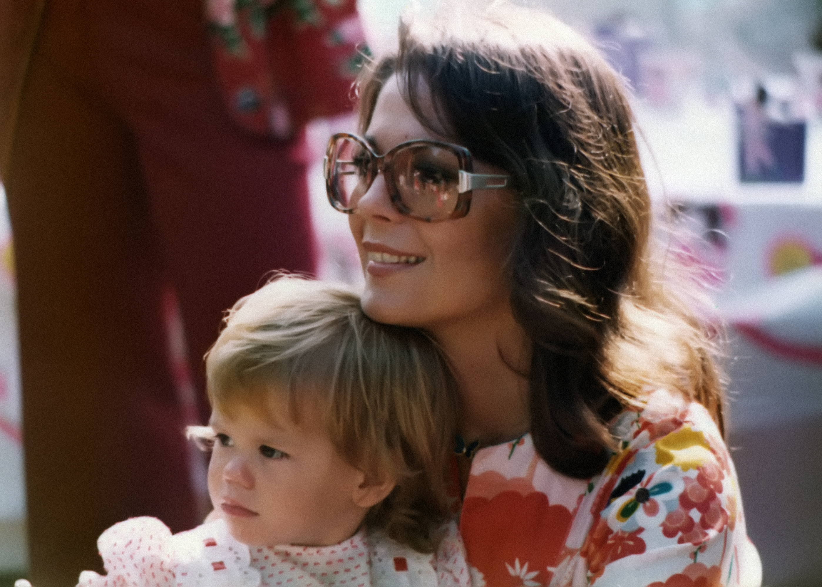 Wood and her daughter Courtney Wagner at her other daughter Natasha's birthday party in 1975
