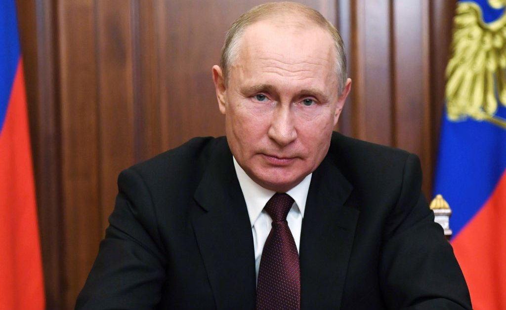 Why U.S. And EU Officials Are Worried Putin Might Make Another Move in Ukraine thumbnail