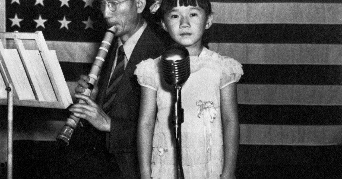 Американцы азиатского происхождения все еще оказываются в ловушке стереотипа «модельное меньшинство». И это создает неравенство для всех thumbnail