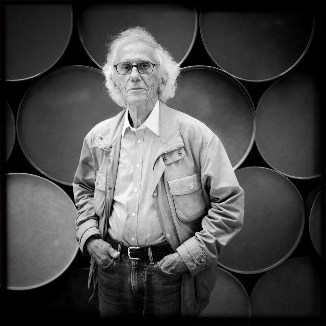 Christo, Artist Known for Public Art Pieces, Dies at 84