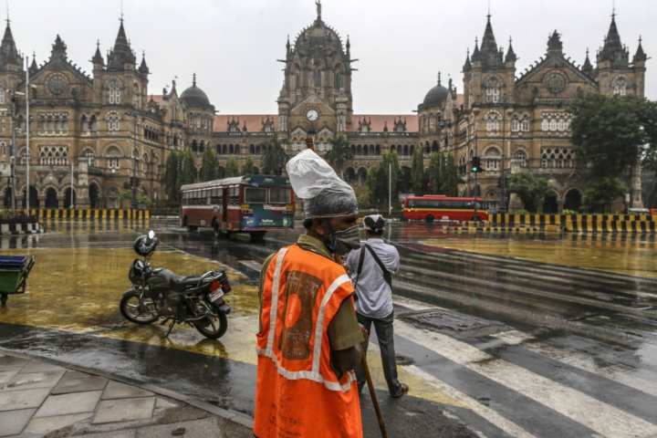 Daily Life in Mumbai as Virus Overwhelms City and Roils India's Economy