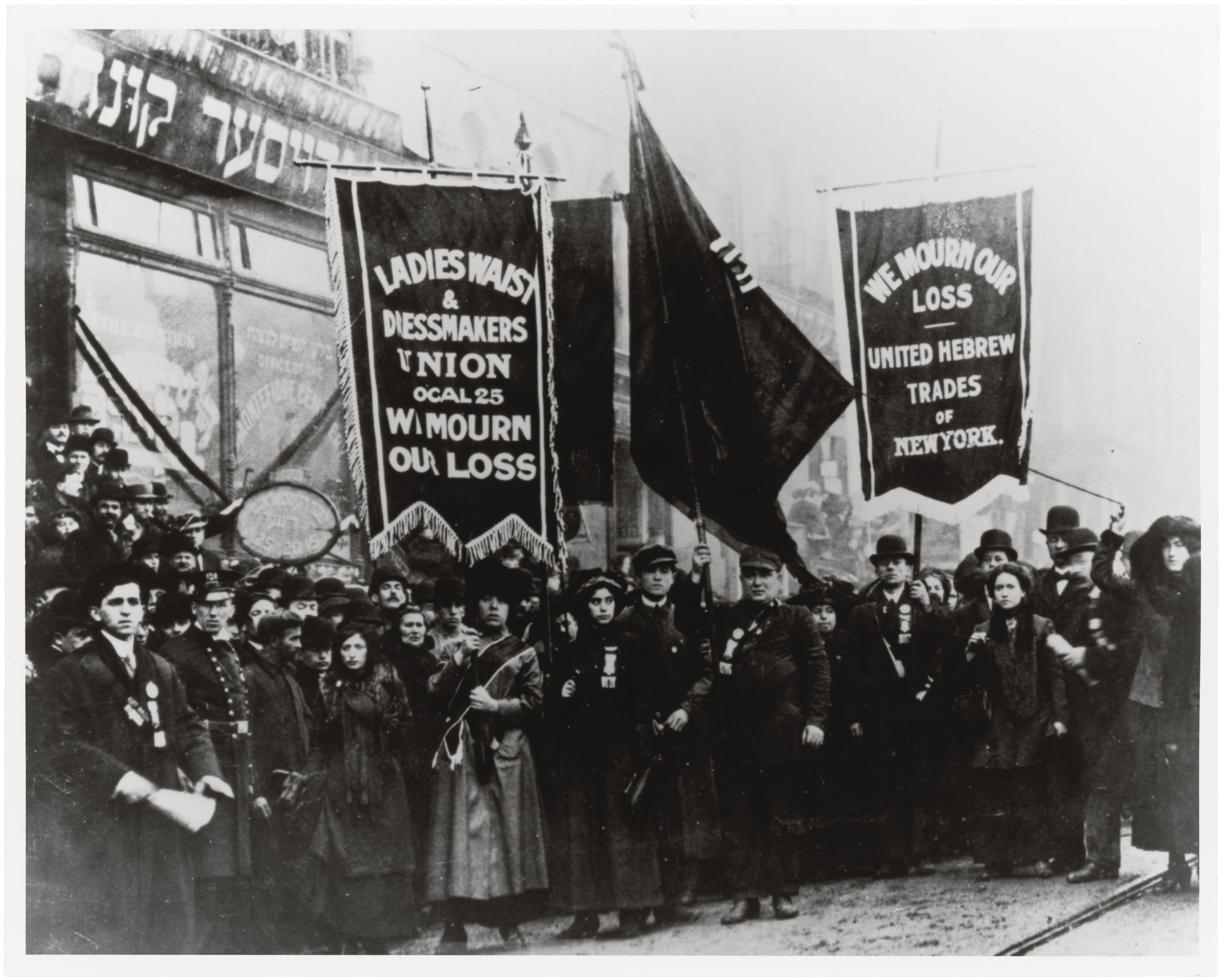 Demonstrators mourn for the deaths of victims of the Triangle Shirtwaist Factory fire, New York, New York, 1911. (Photo by PhotoQuest/Getty Images)