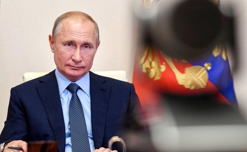 Владимир Путин сигнализирует, что он может попытаться расширить свое правление в 2024 году thumbnail