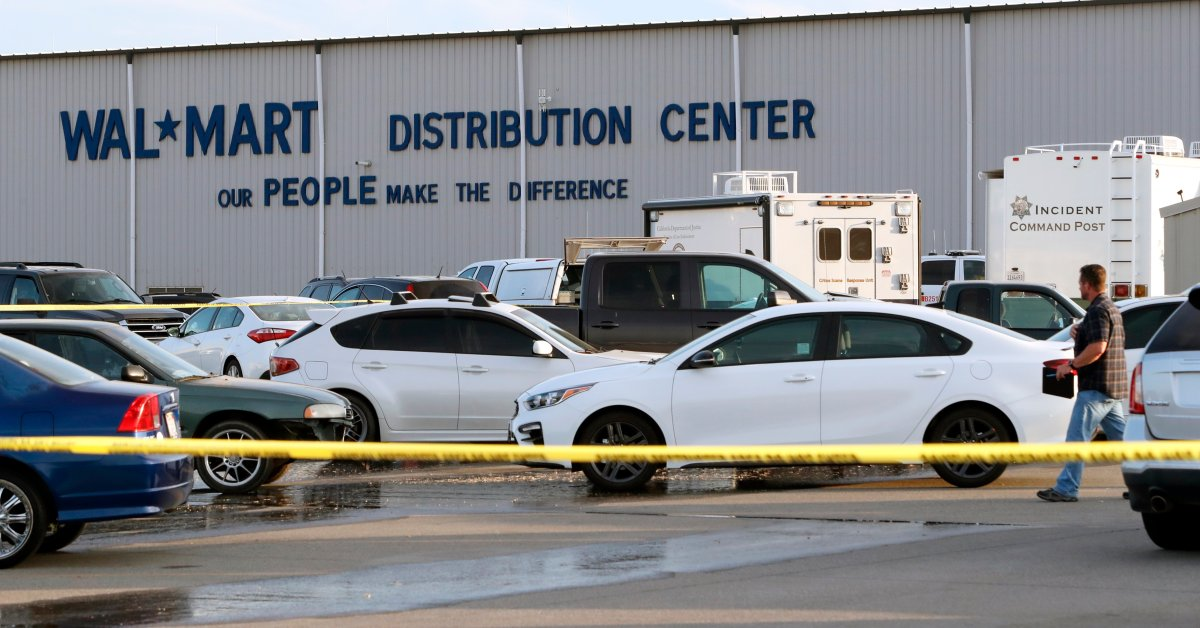 1 Dead, 4 Wounded After Shooting at Walmart Distribution Center in California