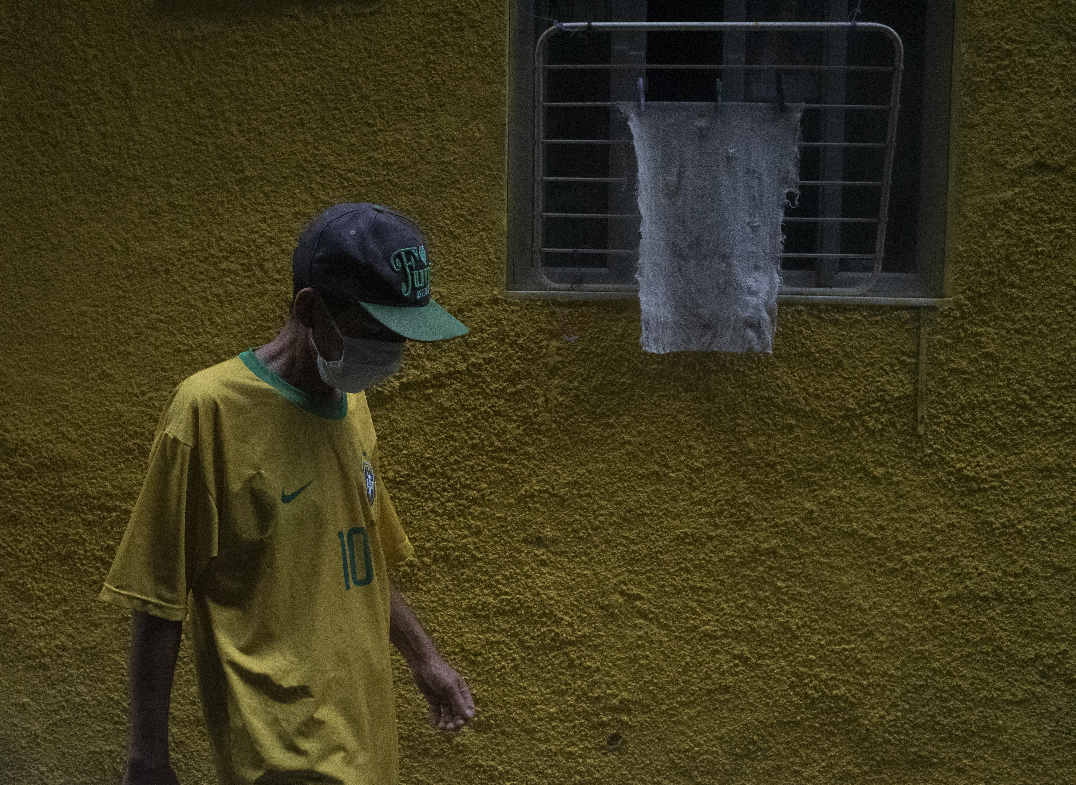 A Rocinha favela resident in Rio de Janeiro, Brazil, on May 27, 2020 during the COVID-19 pandemic.