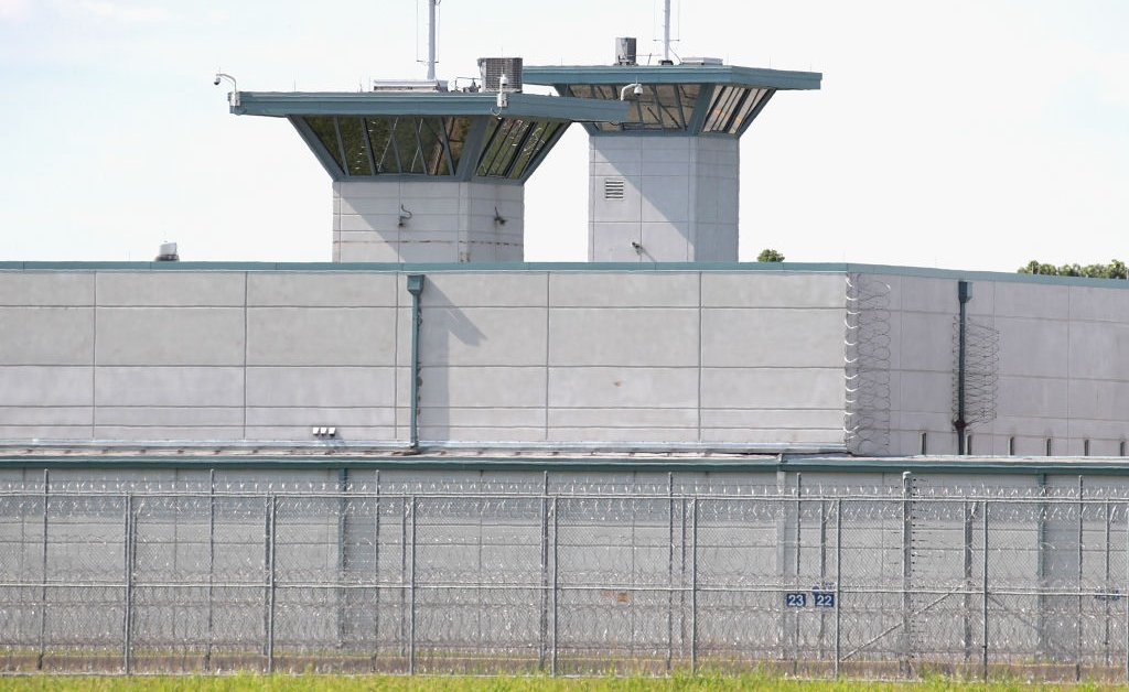 federal prison terre haute jpg?quality=85&w=1024&h=628&crop=1