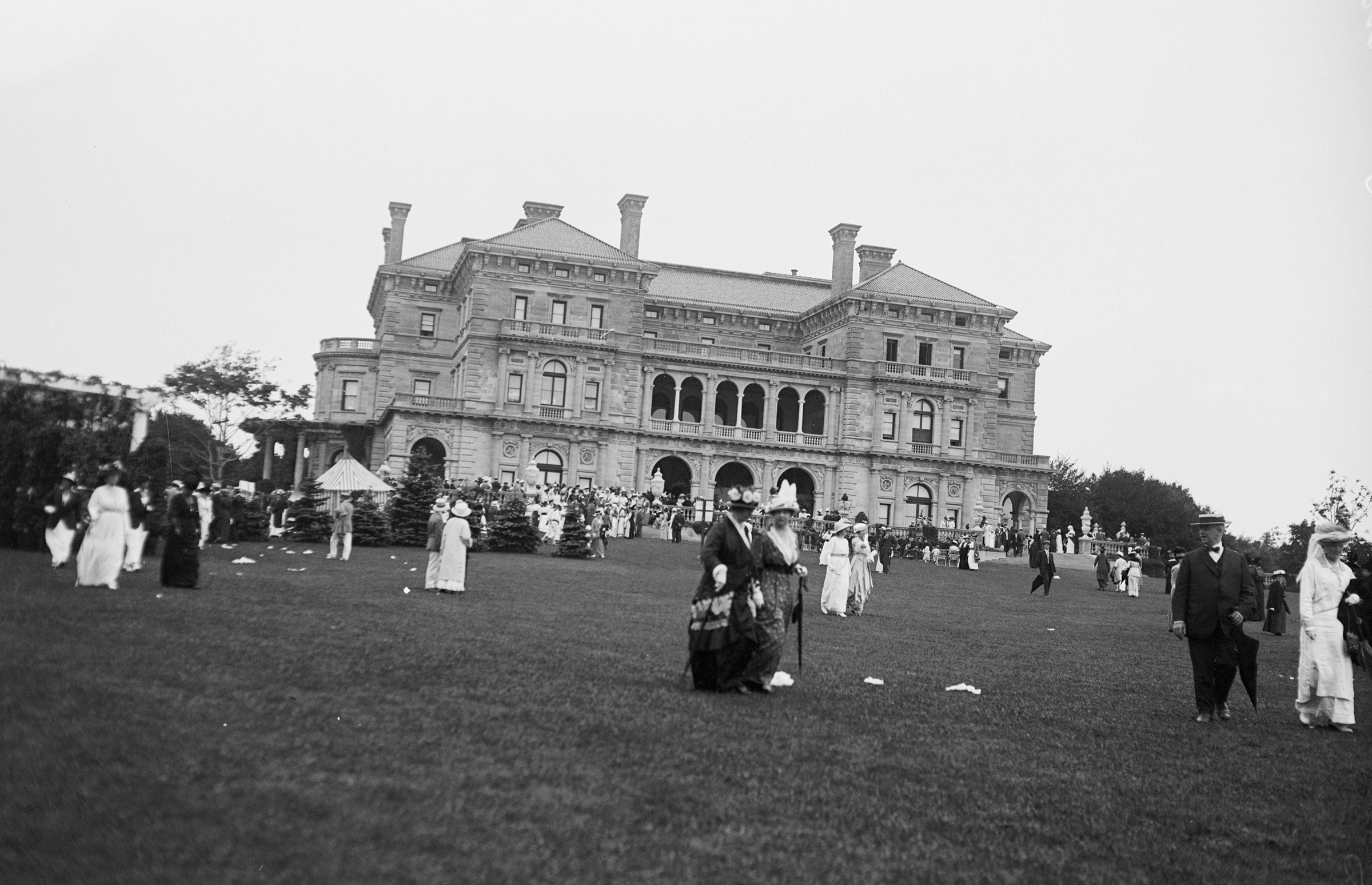 The Breakers—Cornelius Vanderbilt II's Newport, R.I., mansion—in 1914
