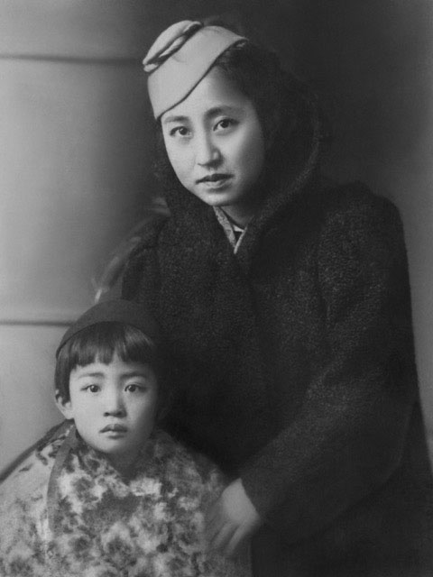 Hideko and her mother before leaving Tokyo, 1938.