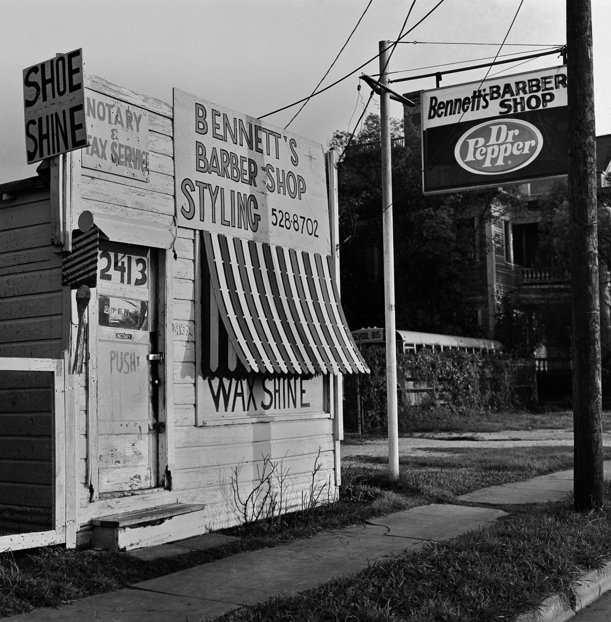 Bennet's Barber Shop (1989)