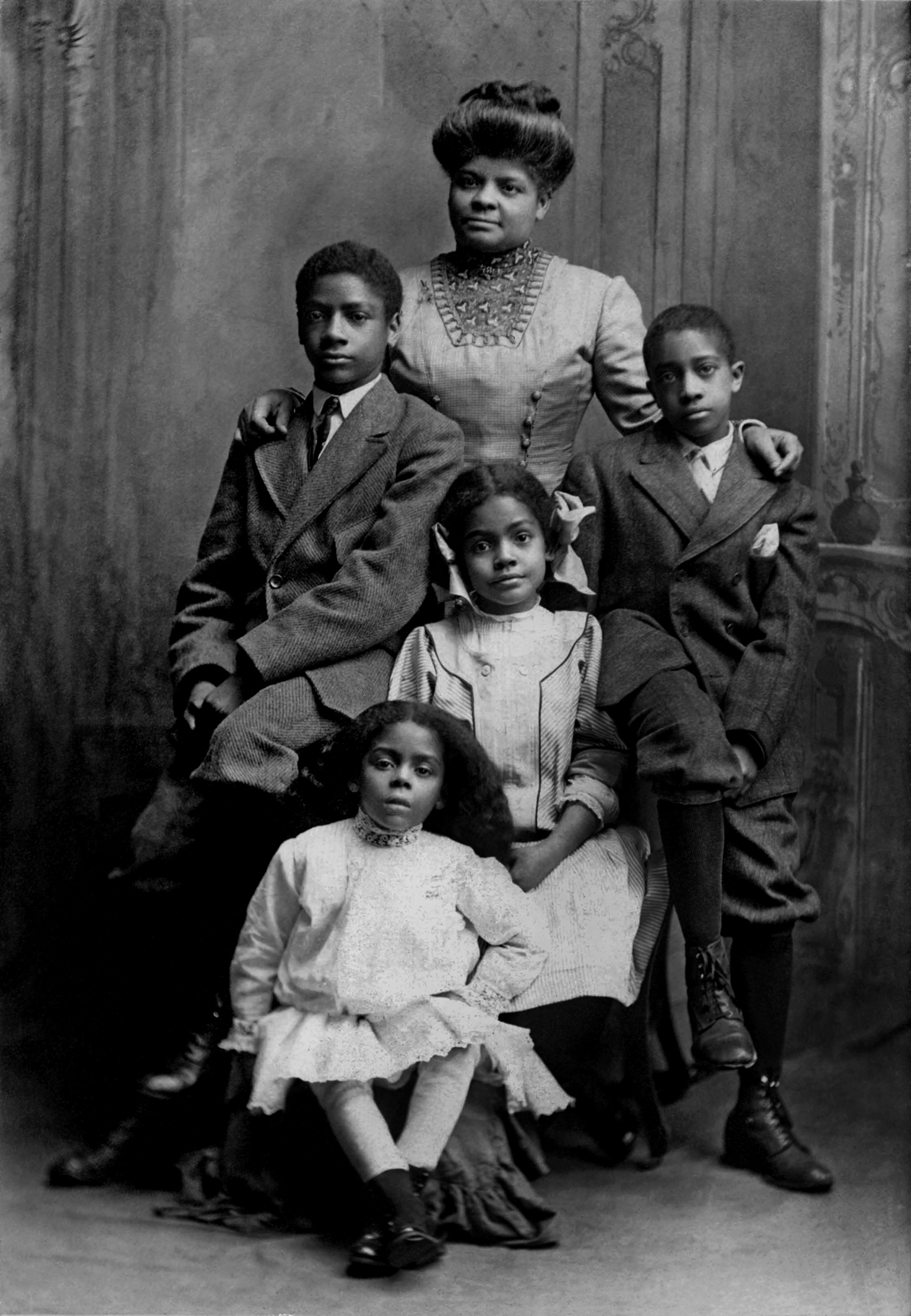 Ida B. Wells in Chicago in 1909 with her children: Charles, Herman, Ida and Alfreda