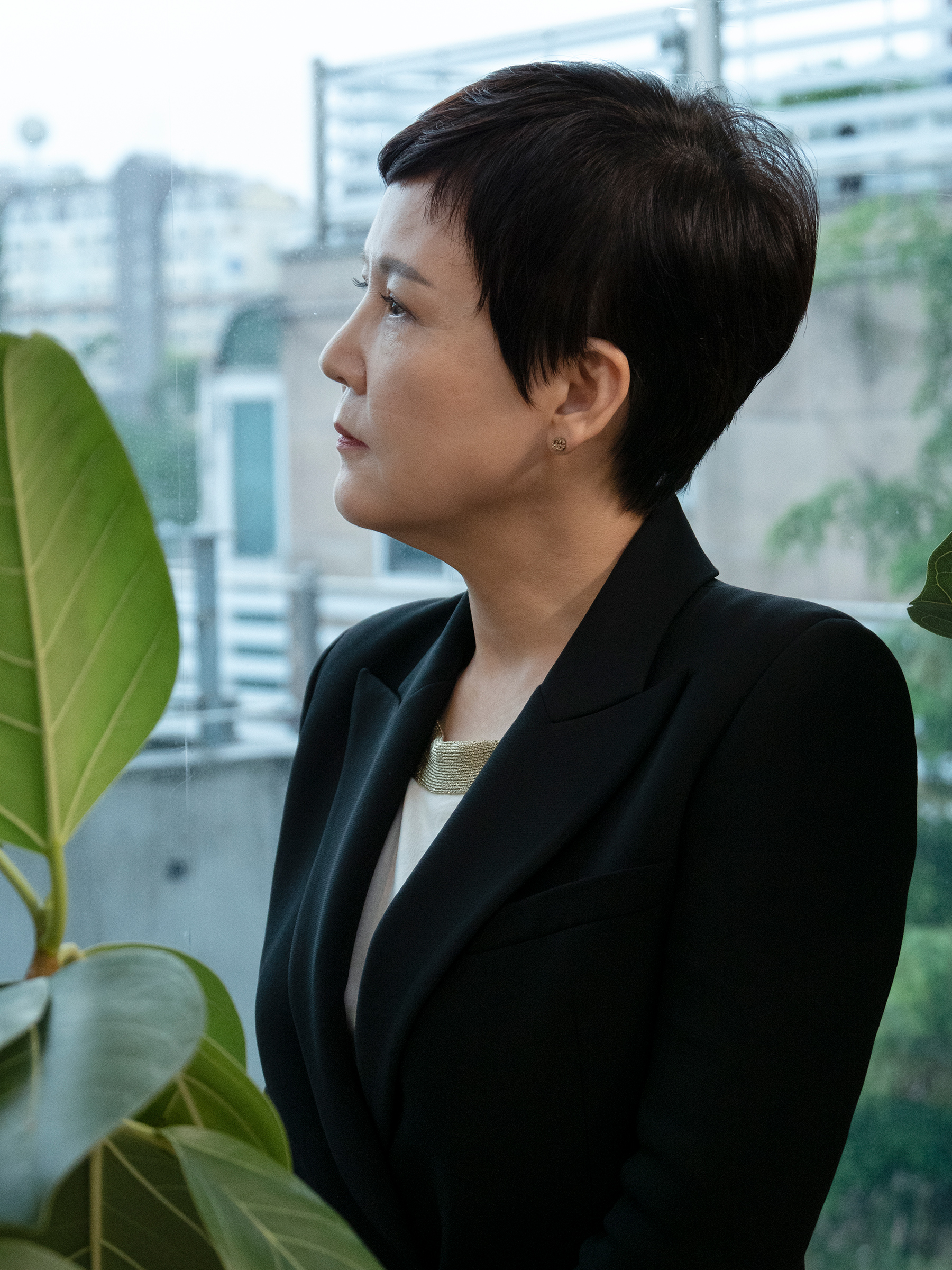 "Lee Eun Kyung, who was on the panel of judges that presided over Korea's first-ever sexual harassment case, which Park Won-soon won, in her office in Seoul on Aug. 3.  We can't let his death cover the error of his ways,"" she says"