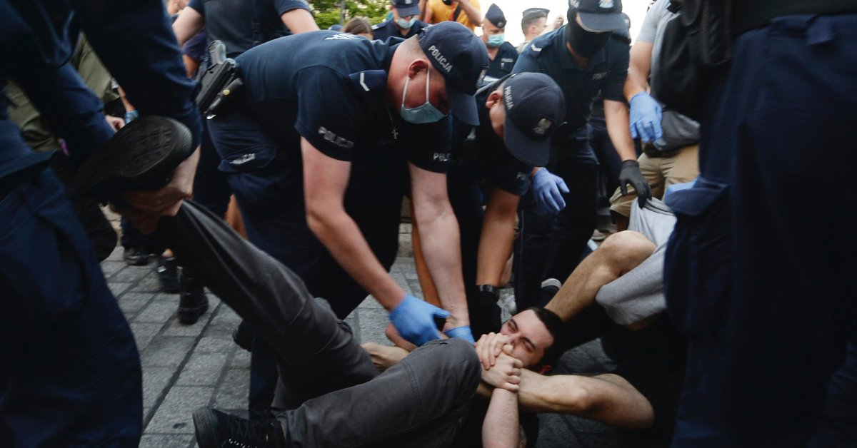 Polish LGBT Protesters March Against Arrest of Trans...