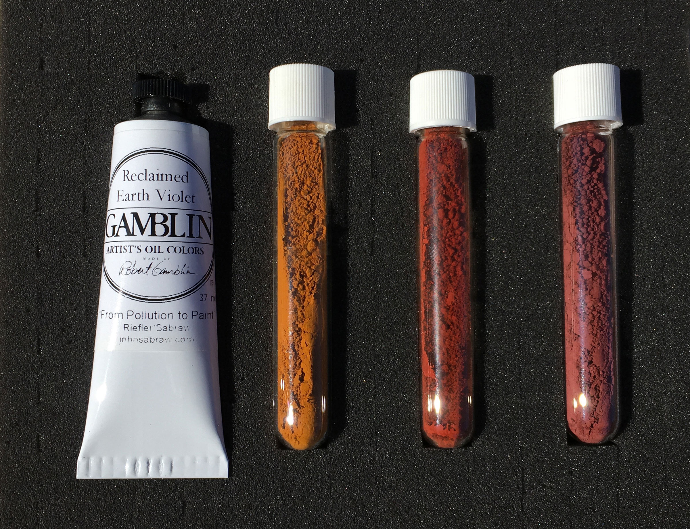 Gamblin Reclaimed Earth Violet and AMD pigment set.