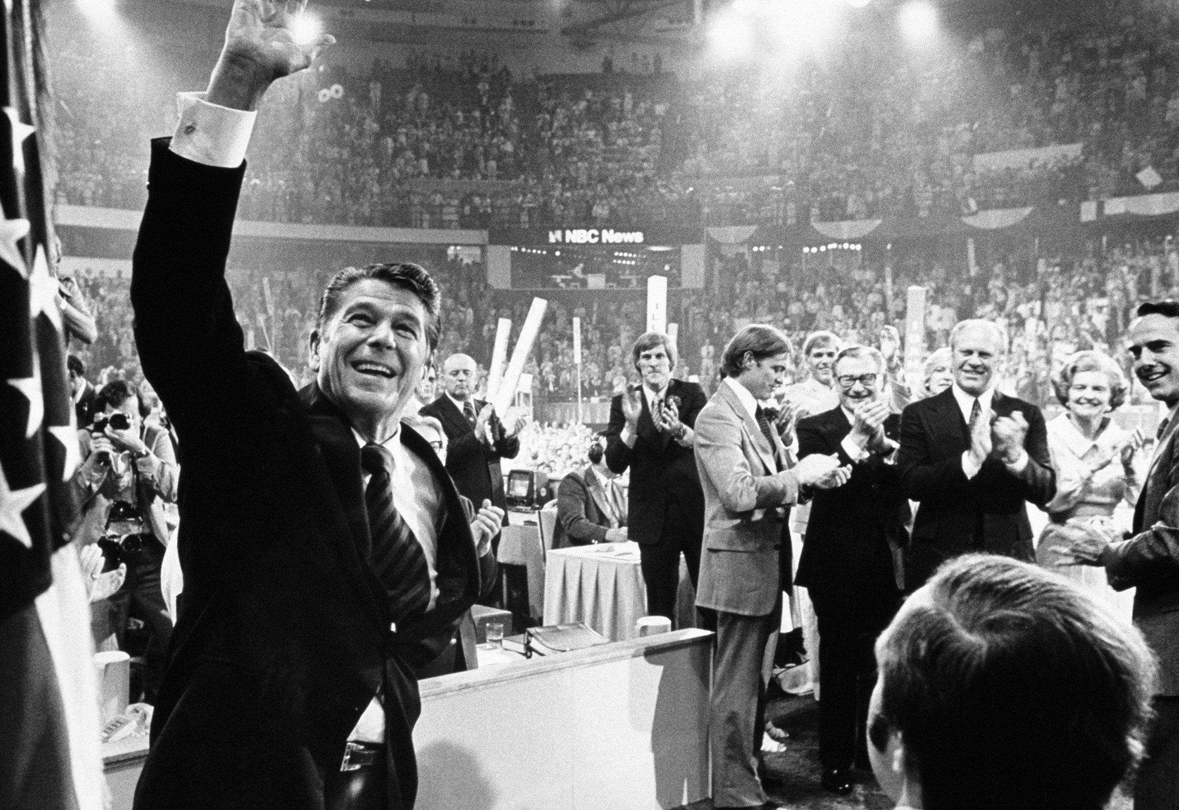 Ronald Reagan waves to the crowd on the final night of the Republican National Convention in Kansas City on Aug. 19, 1976.