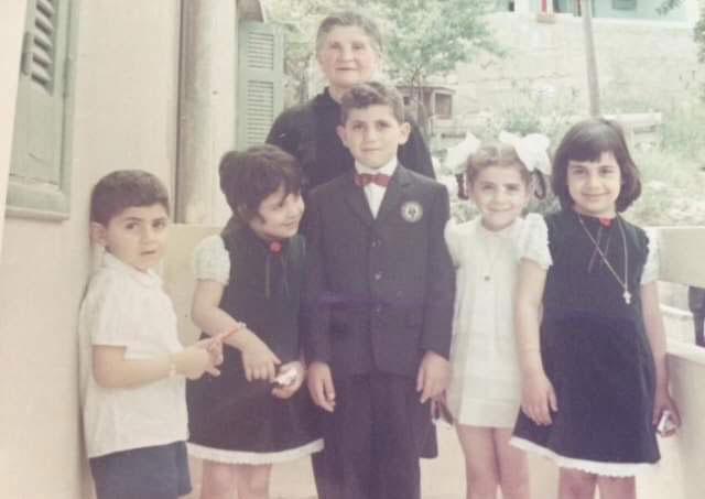 Warde's daughter, Amalia, and her grandchildren.