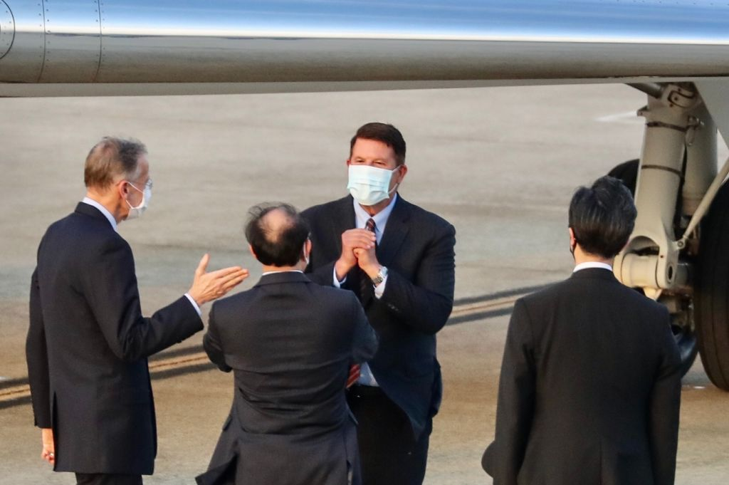 Keith Krach, U.S. Undersecretary of State for Economic Growth, Energy and the Environment, gestures after landing at the Sungshan airport in Taipei on September 17, 2020.