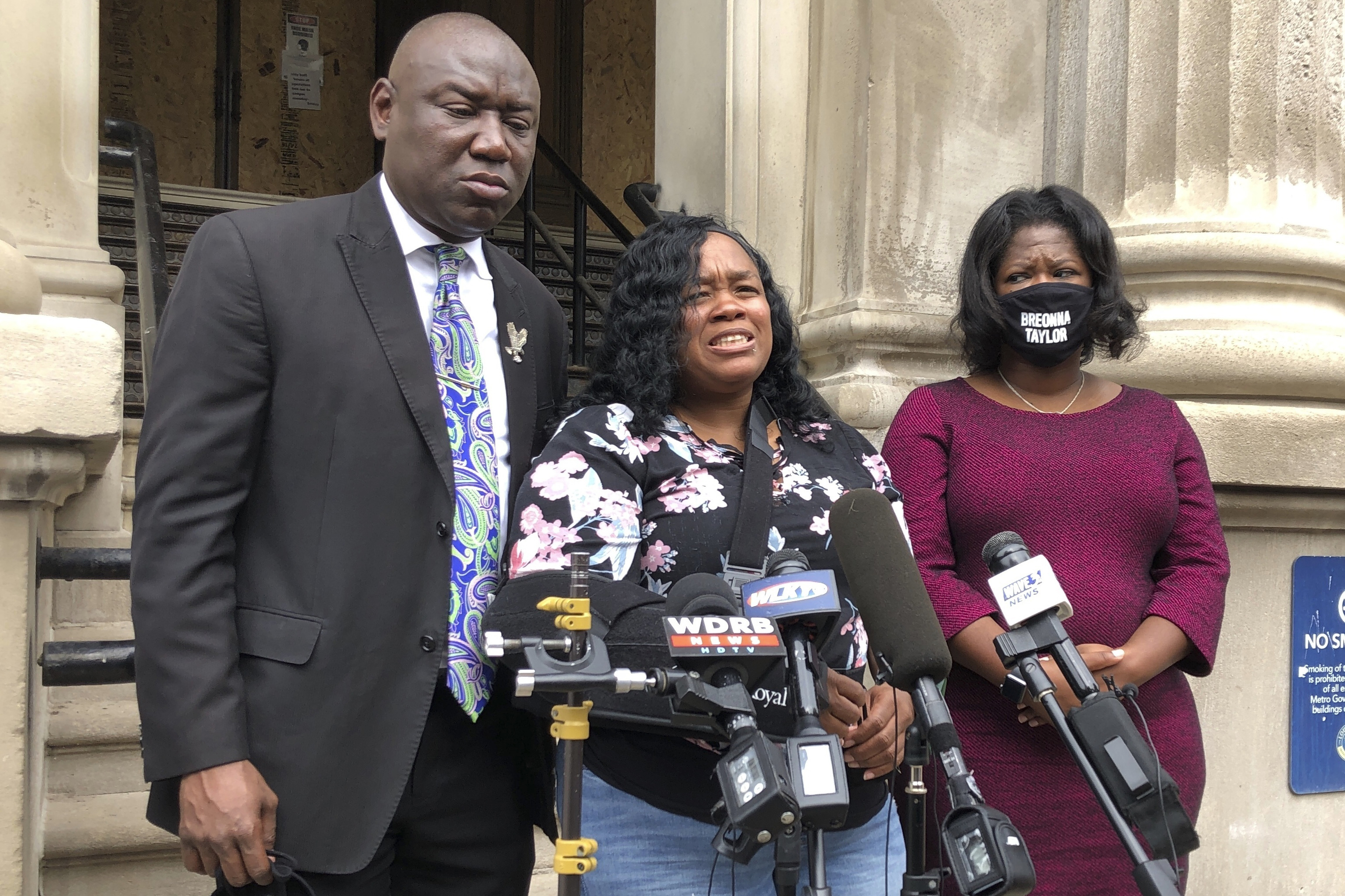 Louisville To Pay 12m In Breonna Taylor Death Lawsuit Time