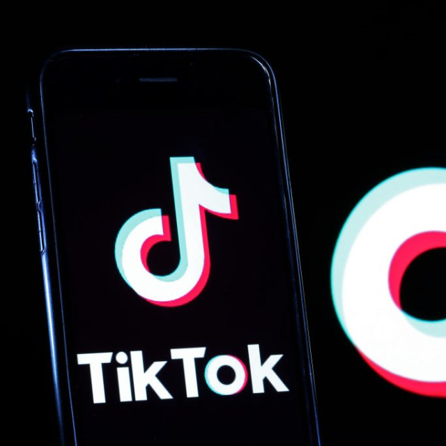 U.S. Bans WeChat, TikTok Use for National Security