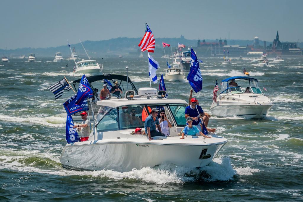 'Several Boats' Sink at Trump Boat Parade in Central Texas Lake, Sheriff's Office Says thumbnail