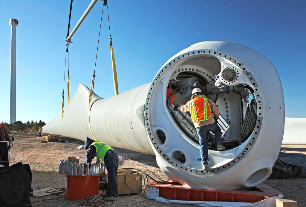 Wind turbine construction in New Mexico