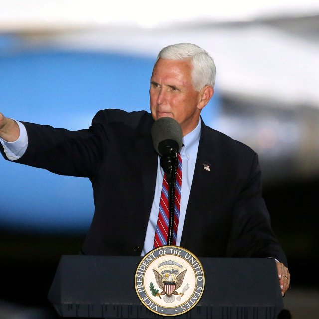 Pence to Continue Travel Despite Contact With Infected Aides