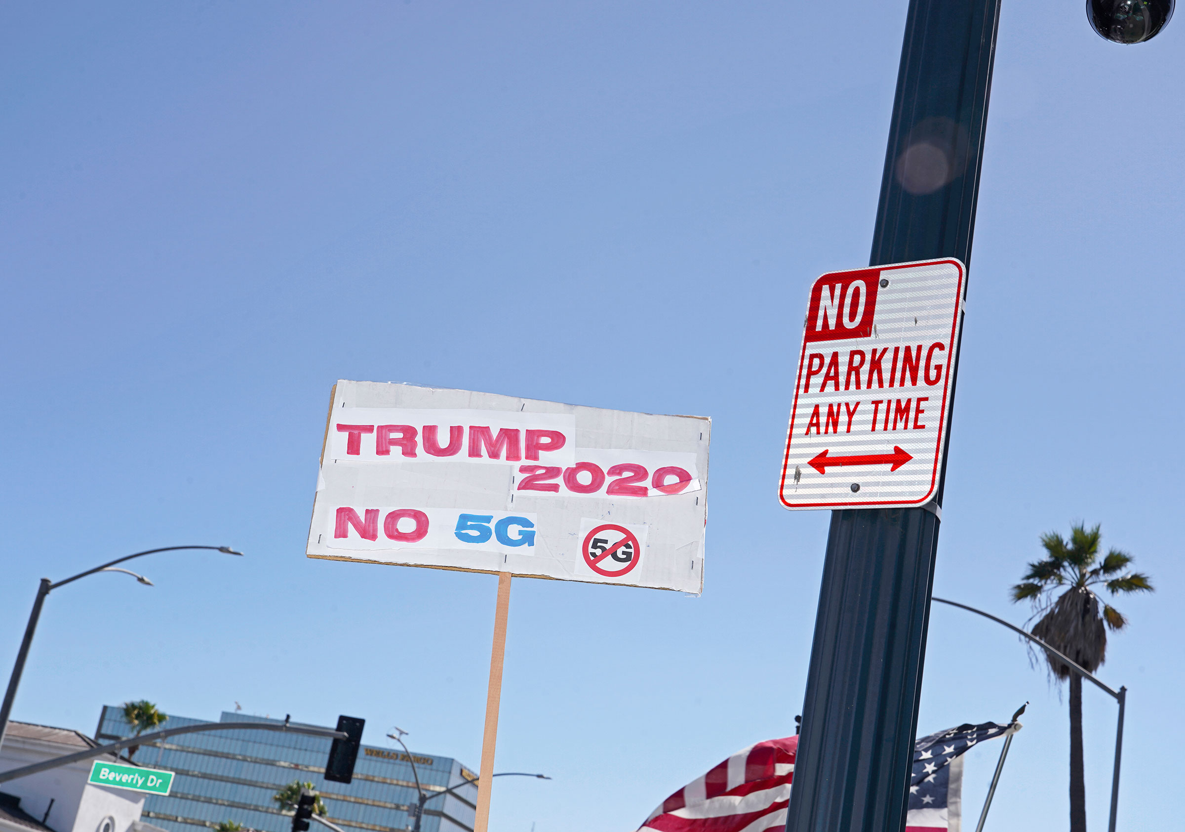 A anti-5G sign at a pro-Trump rally in Beverly Hills, Calif., Aug. 8, 2020.