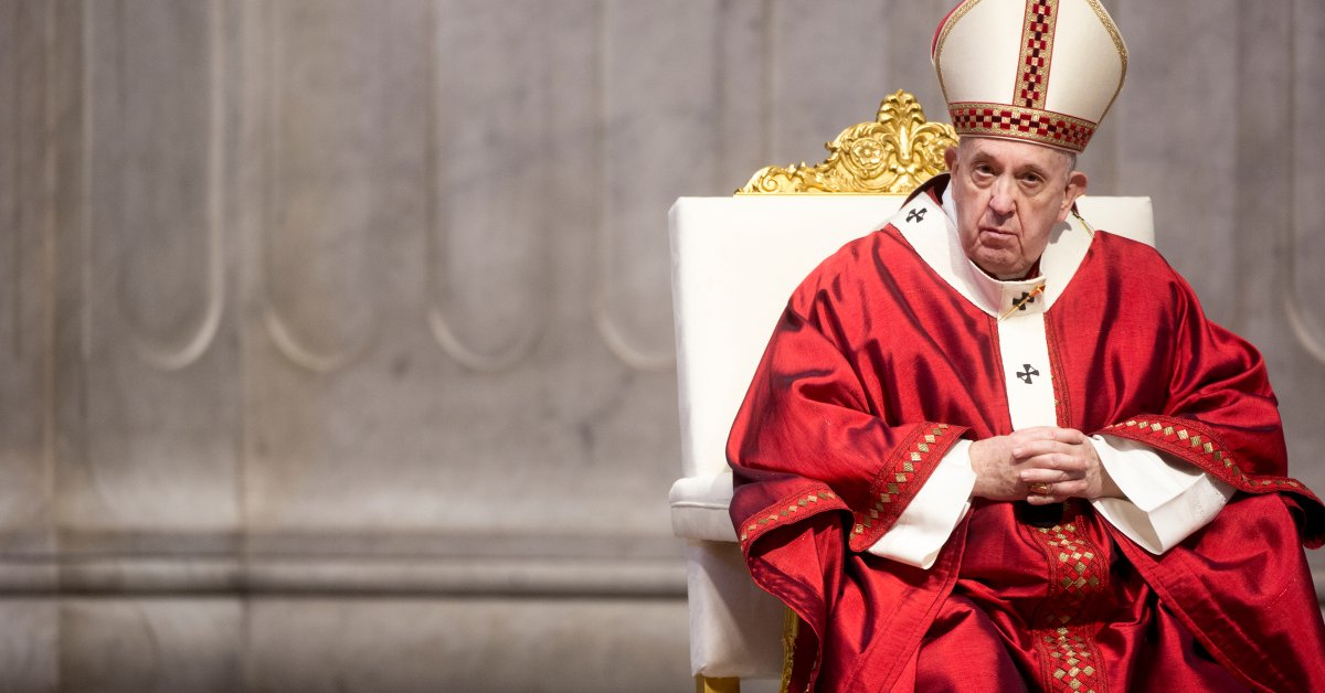 """""""Homosexual people have the right to be in a family."""" Pope Francis offers new support for same-sex civil unions"""