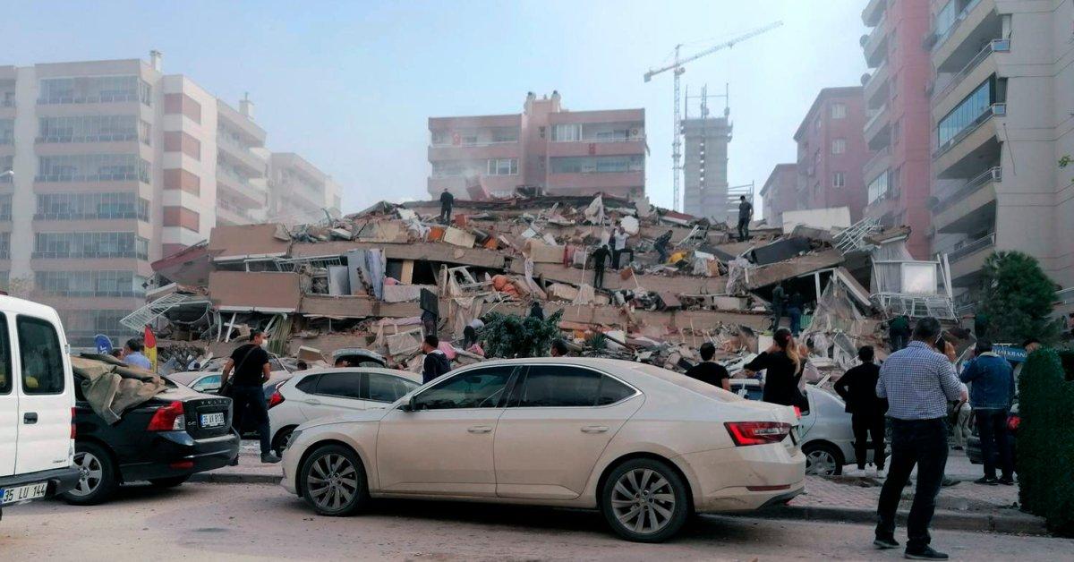 Earthquake Strikes Turkey Coast, Killing 4 and Injuring 120