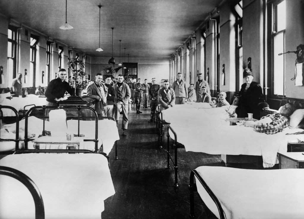 American Ward at Fourth Scottish General Hospital, where most patients are influenza cases, in November 1918.