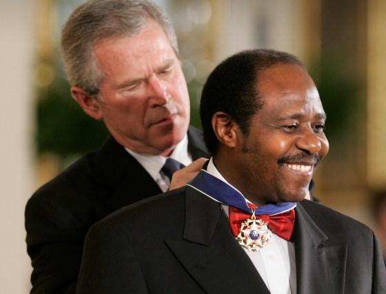 President Bush awards Paul Rusesabagina the Presidential Medal of Freedom Award in Washington, D.C., on Nov. 9, 2005.