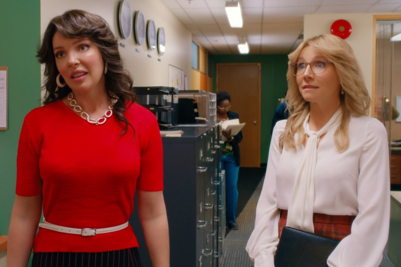 Both the series and book span decades following the friendship between Tully (Katherine Heigl) and Kate (Sarah Chalke)