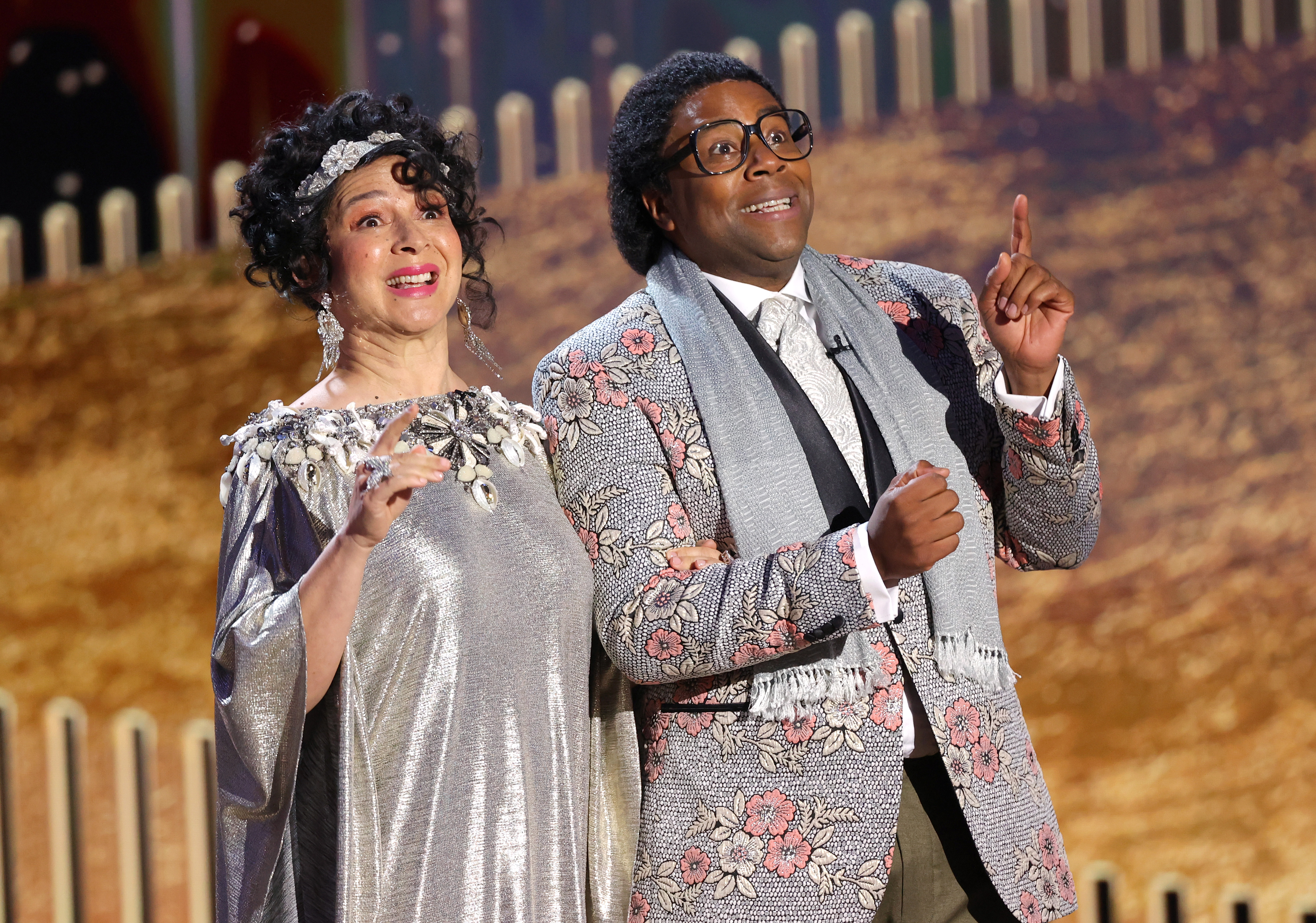 Maya Rudolph and Kenan Thompson perform a skit onstage at the 78th Annual Golden Globe Awards