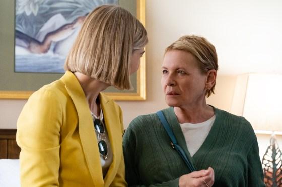 """I Care A Lot: (L to R) Rosamund Pike as """"Martha†and Dianne Wiest as """"Jenniferâ€. Photo Cr. Seacia Pavao / Netflix"""