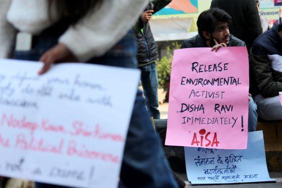 disha-ravi-protests