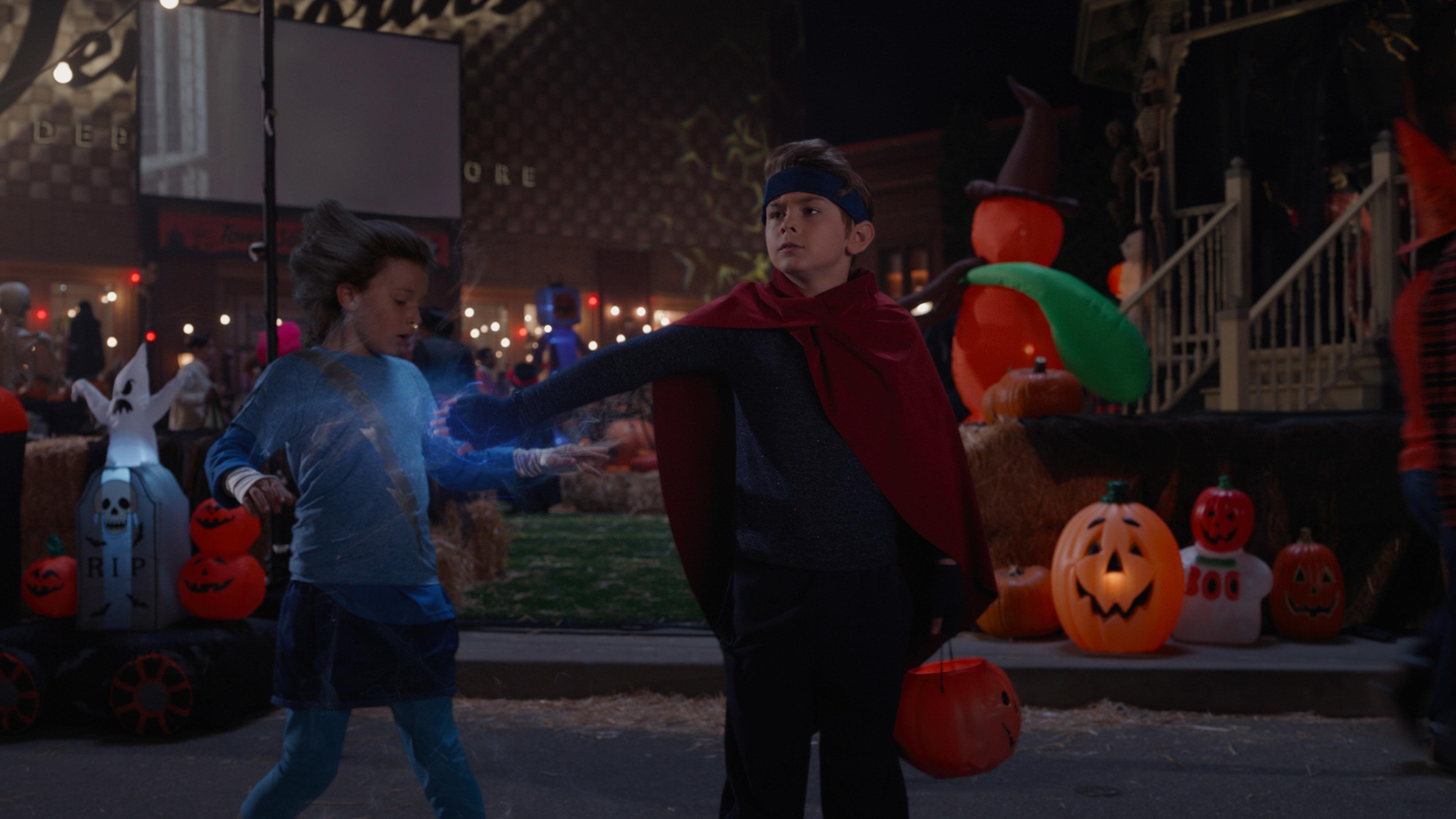 Jett Klyne as Tommy and Julian Hilliard as Billy in WandaVision