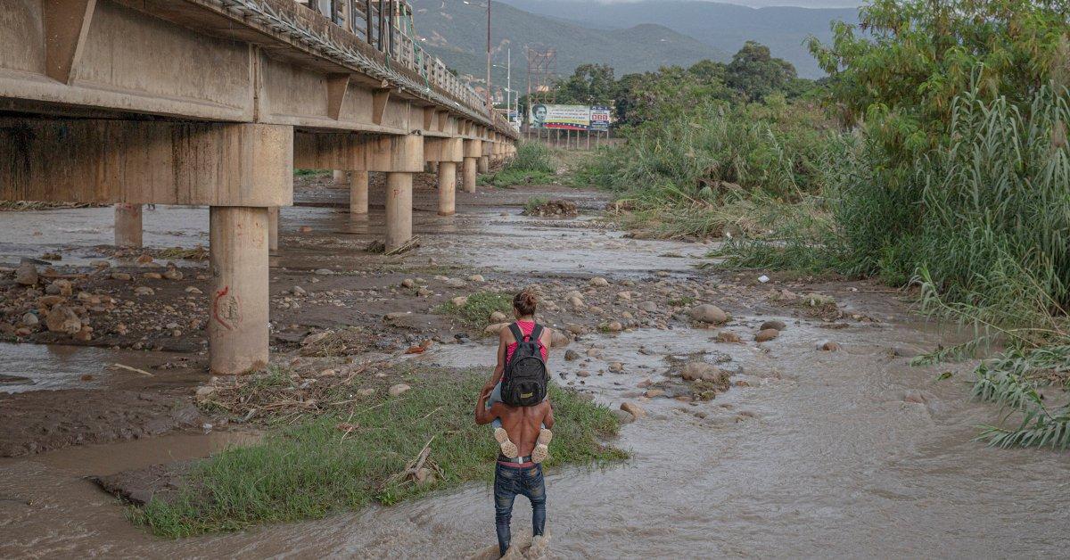 fabiola ferrero colombia venezuela border 1 jpg?quality=85&w=1200&h=628&crop=1.