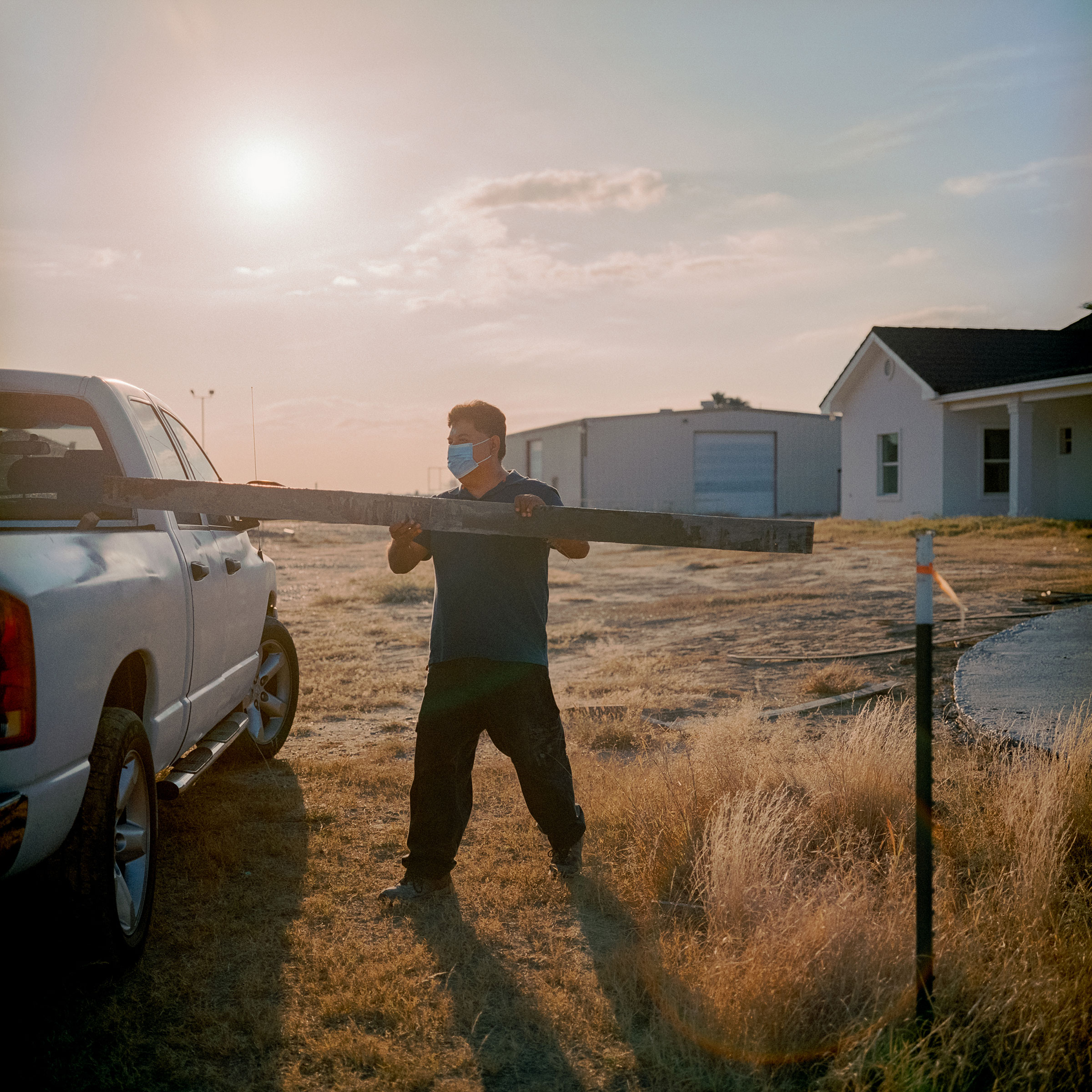 Jose Tejeda of Rio Grande City, Texas, works in Zapata County onDec.12