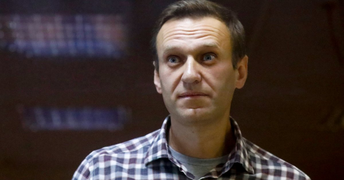 Alexei Navalny's Team Calls Protests Amid Reports of His Failing Health