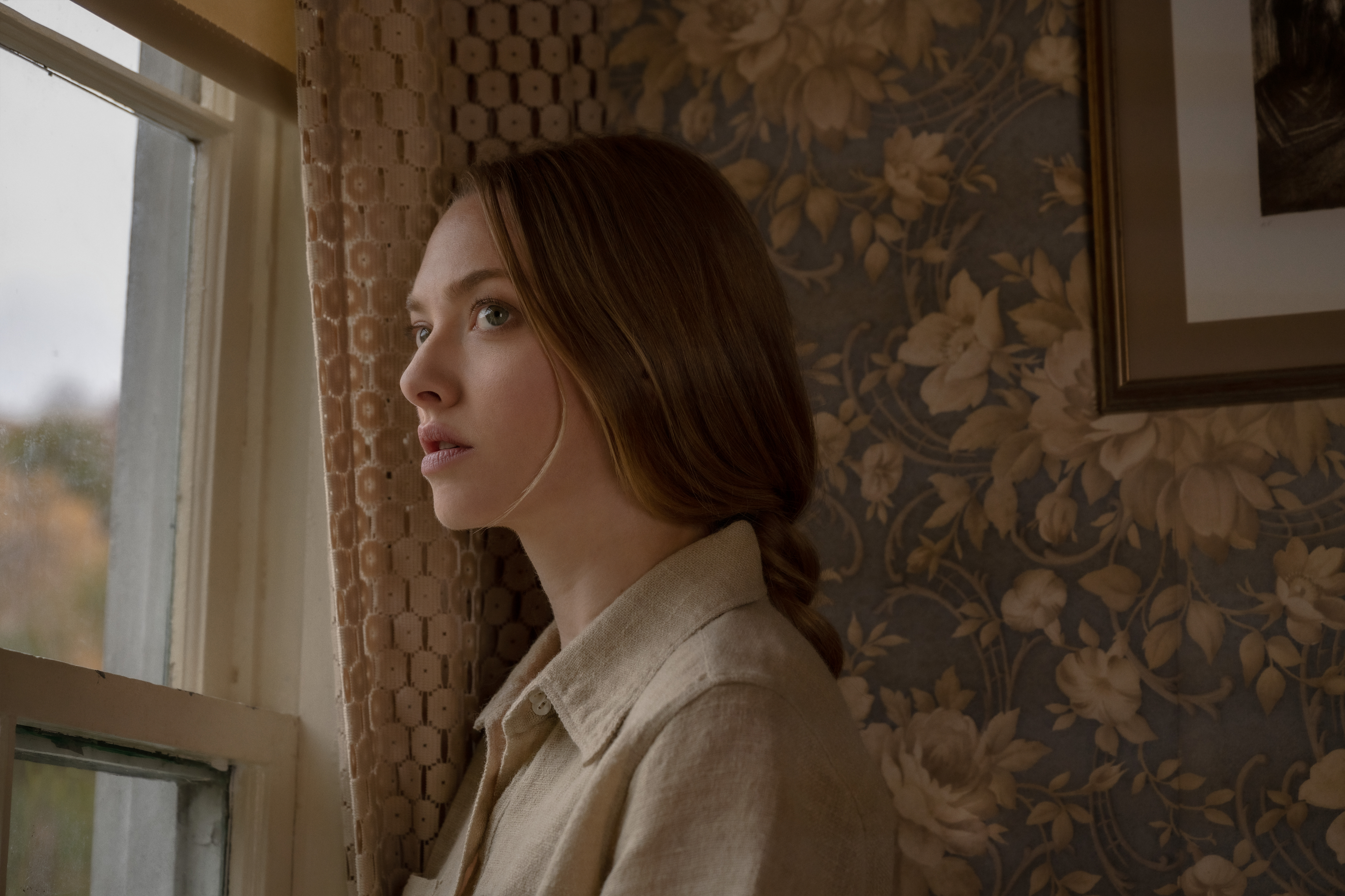 Amanda Seyfried as the increasingly isolated Catherine Clare in 'Things Heard & Seen'