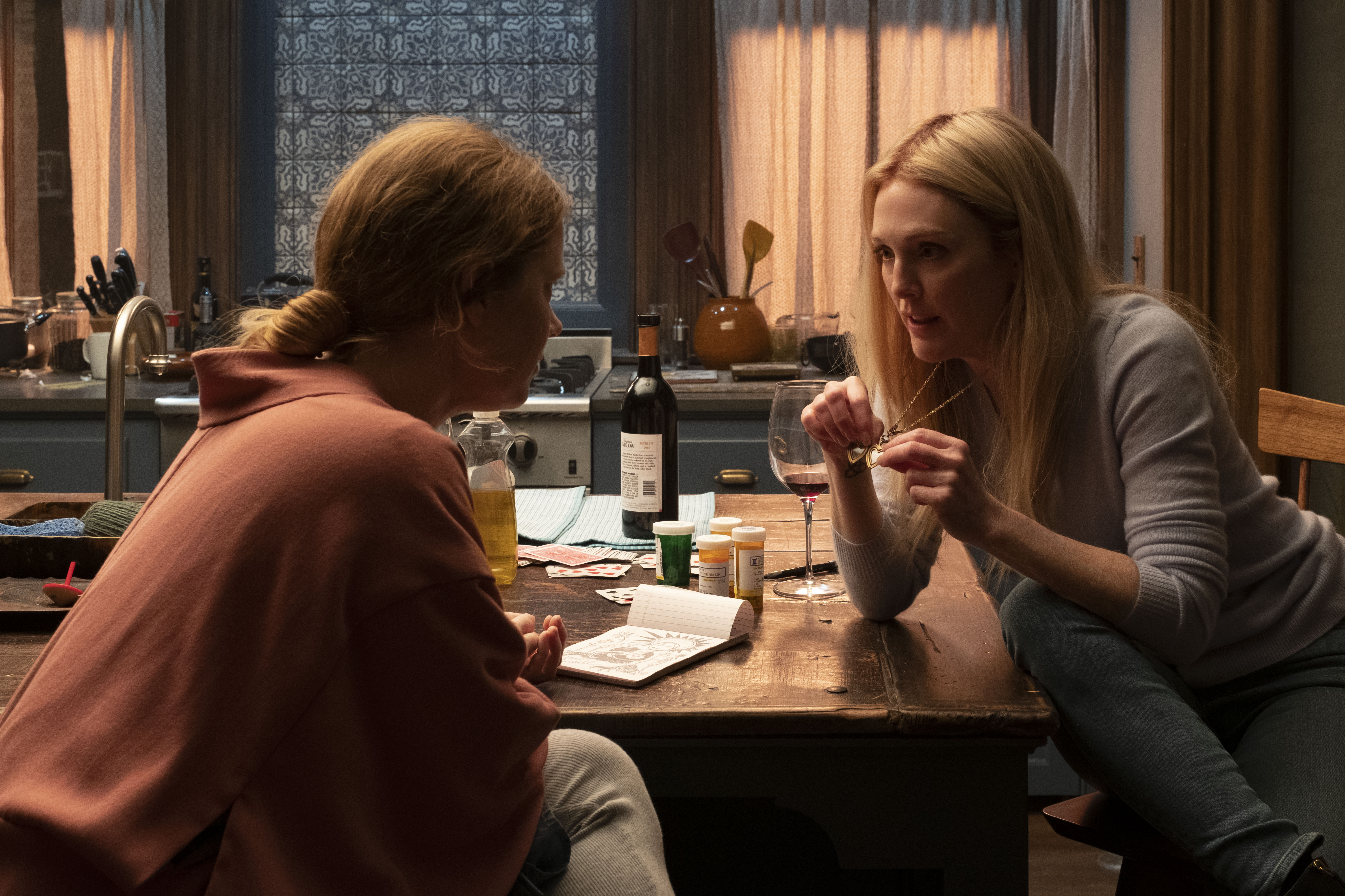Amy Adams as Anna and Julianne Moore as Jane in 'The Woman in the Window'