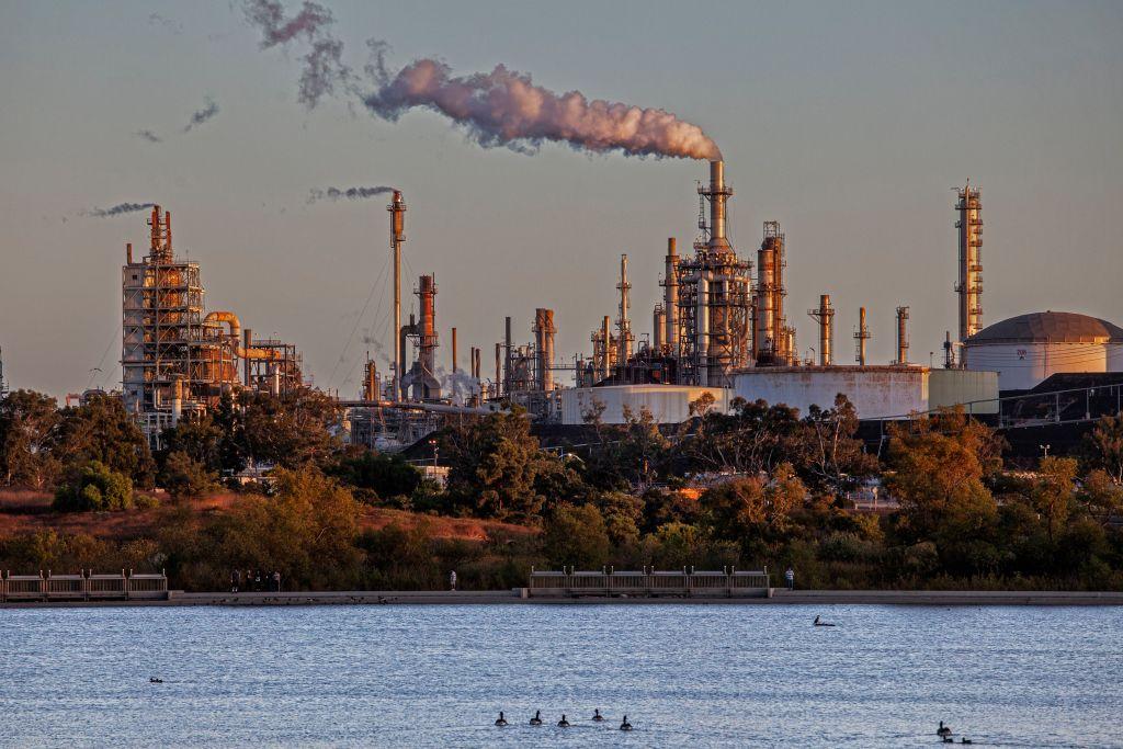 Phillips 66 oil refinery from Ken Malloy Harbor Regional Park, Wilmington, Calif.