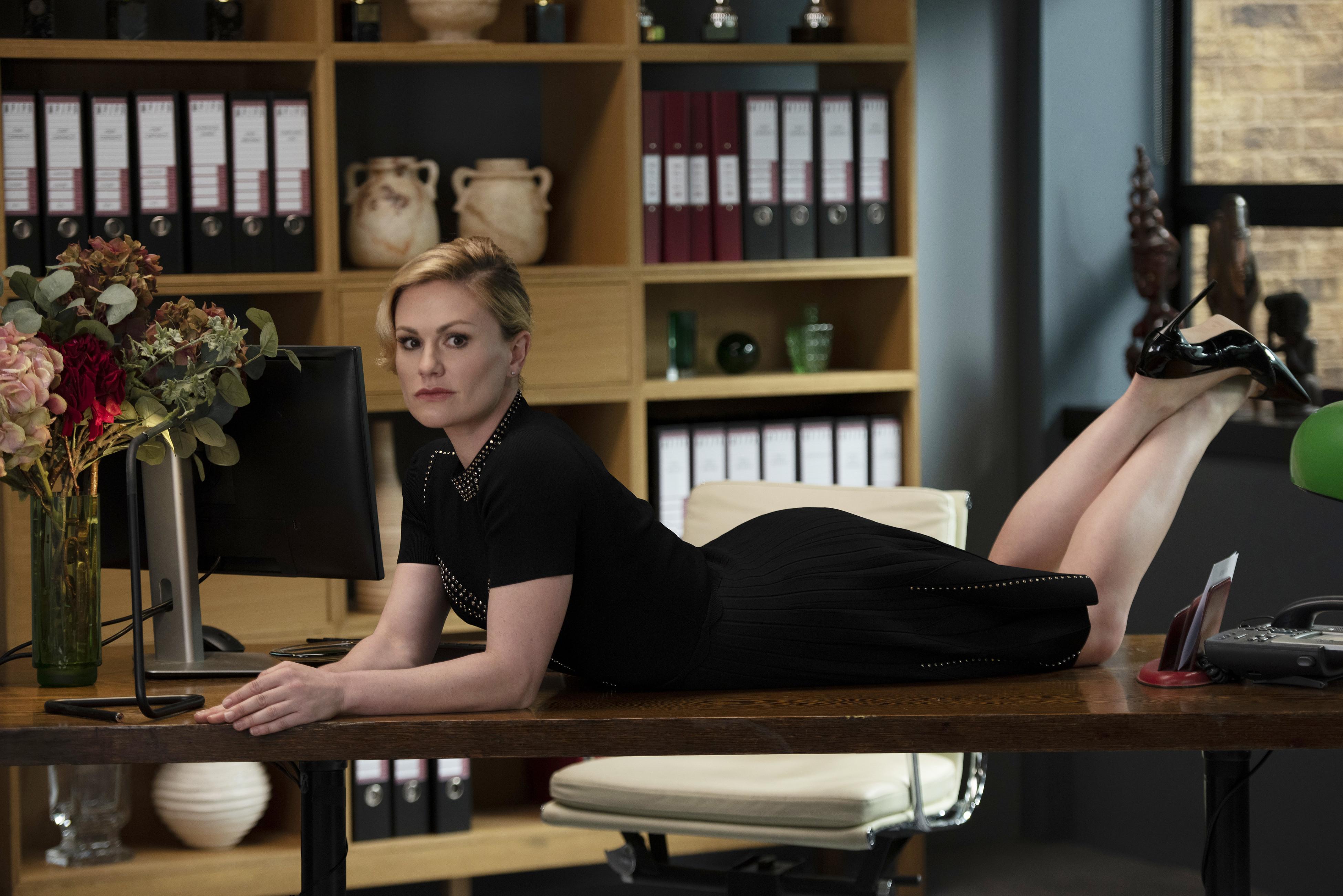 Anna Paquin in 'Flack' Season 2